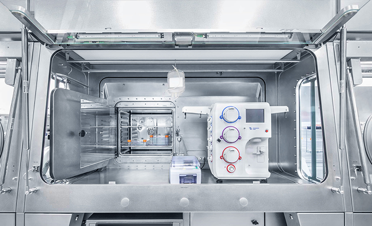 Cellana isolator, modular isolator for cell and gene therapy isolator